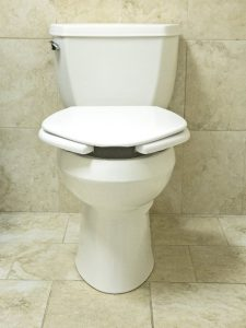 The Best Toilet Seats For Heavy People For Comfort And Stability